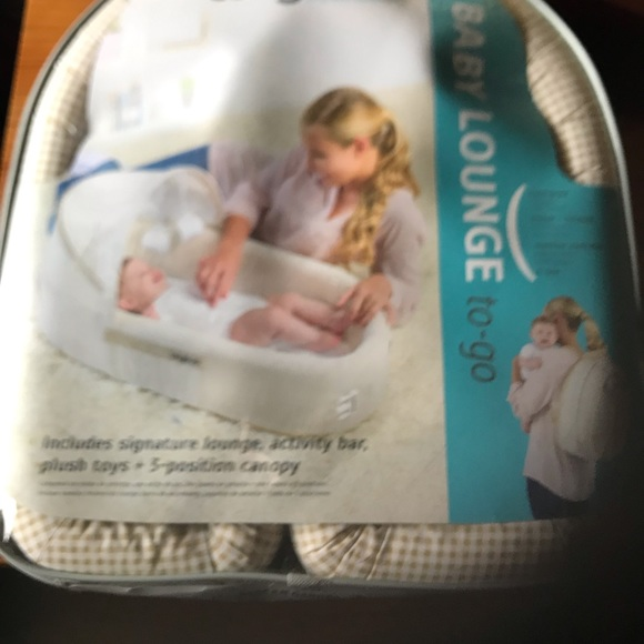 lulyboo Other - Baby lounger to go